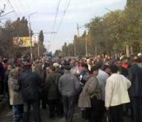 Саратовцы провели массовую акцию против коммунального беспредела. Фото с сайта www.vzsar.ru